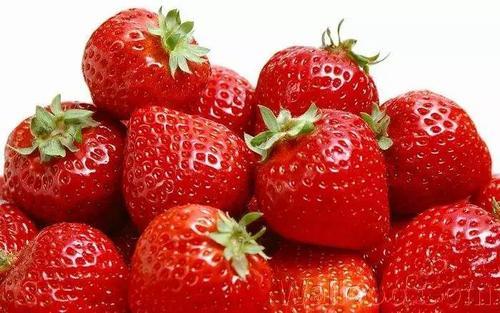 兴义妇女药流后吃草莓有益